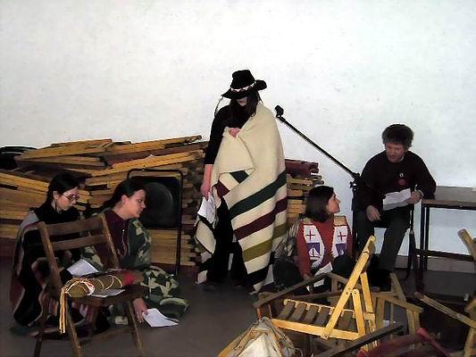 Zimowe Powwow - Międzychód 2004 - Inscenizacja 'Wounded Knee 1973-2004'. Foto Co. Magdalena i Dariusz Lipeccy 2004